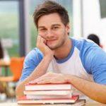 İngilizce dersleri Faaliyetiprogramlarında her seviyede İngilizce ders alınır.