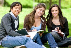 İngilizce ( YDS ) Dersleriile YDS de başarı gelir.